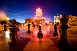 Night Chess at he Central Pagoda